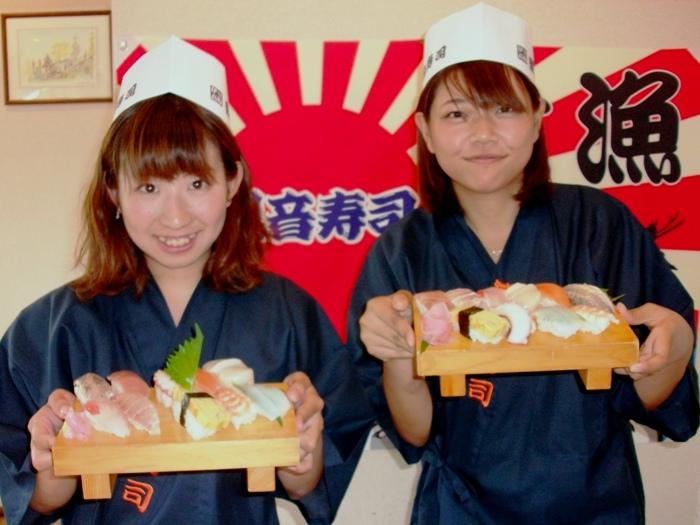 作務衣と職人帽を身につければ、気分はすっかり寿司職人!?