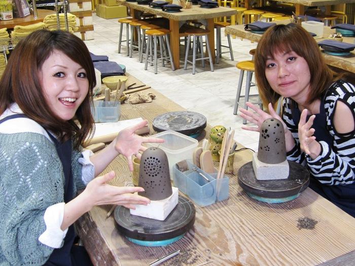 暖かな光が魅力の陶器のランプシェード作りに挑戦♪