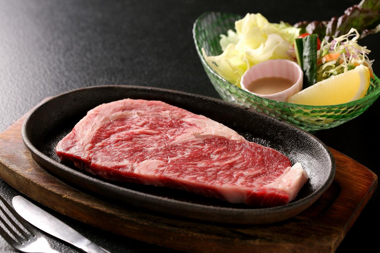 国産牛ステーキ生※イメージです。