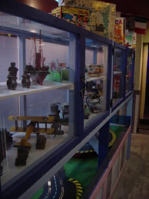 おもちゃ製造が盛んだった下町ならではの品揃え