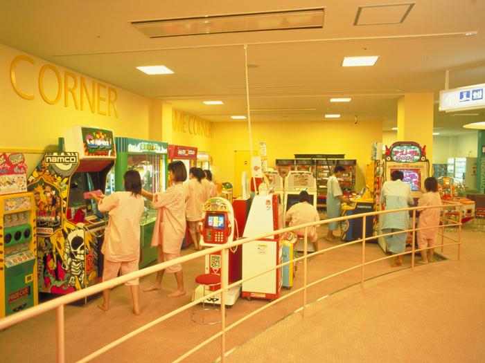 全50種類ものゲーム機器が揃うゲームコーナー