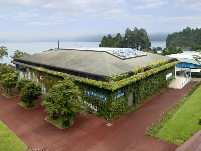水族館の全景。海水館と淡水館、そしてバイカルアザラシ広場がある