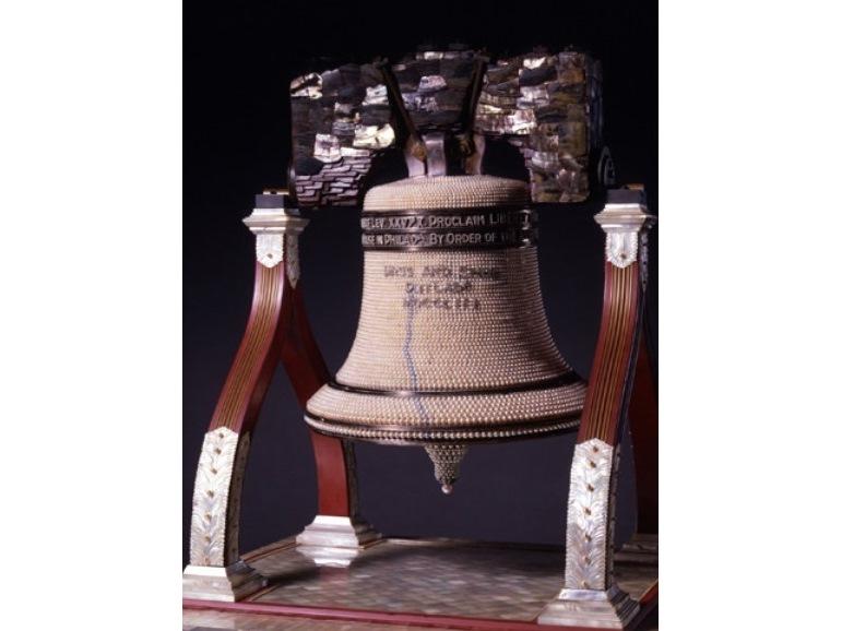 美術工芸品「自由の鐘」