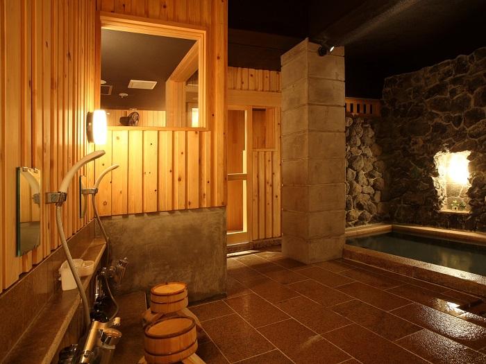 檜と石の庭園露天風呂