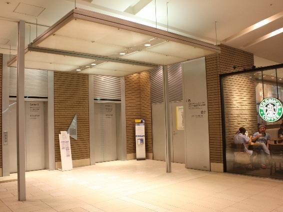 エレベーターで6Fへ