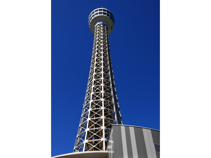 横浜を見守るシンボルタワー