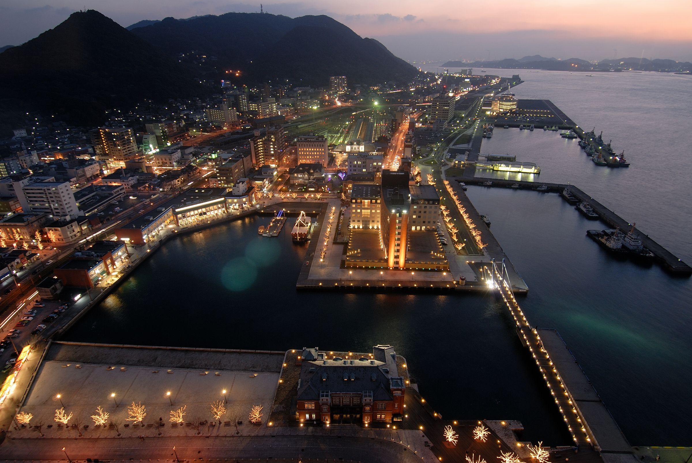 展望室から望める門司港レトロの夜景