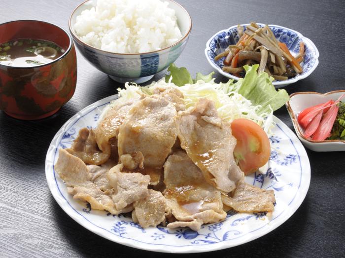 生姜焼き定食(食事の一例)