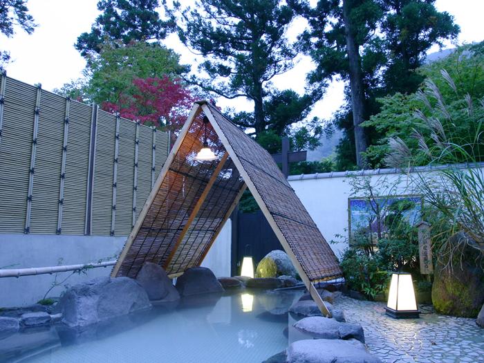湯香殿の男性専用芦之湯周遊風呂