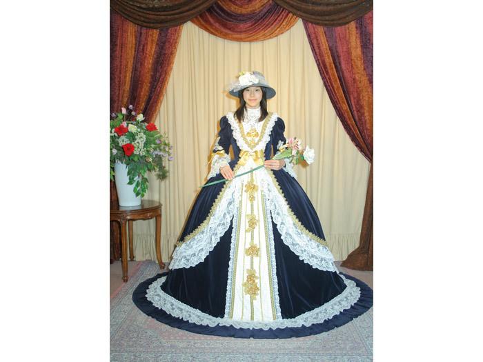 ヨーロッパの華やかなドレス