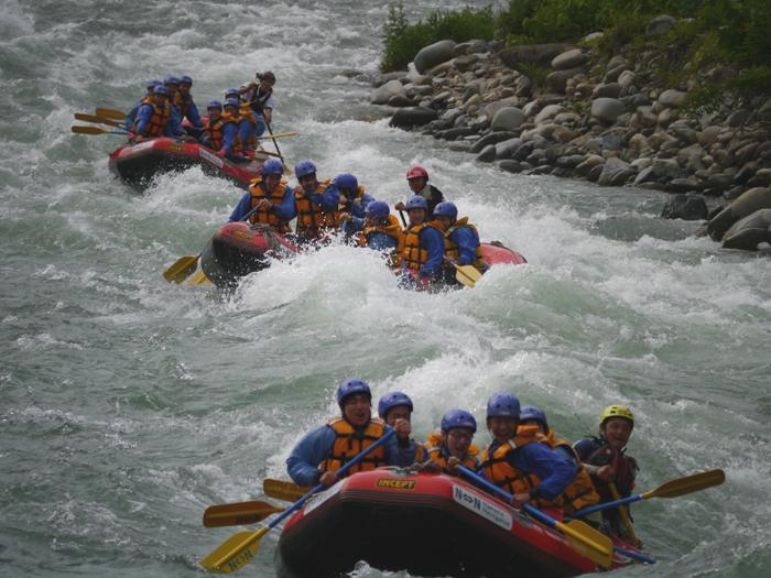 冒険気分で川下り