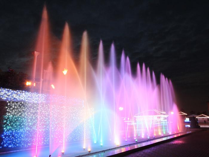 踊る音楽噴水ショー(毎日開催)