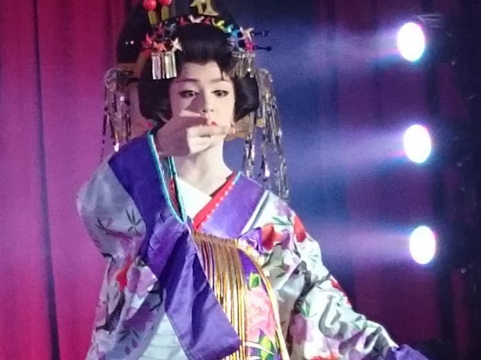 美しい役者の姿を見るなら岩寿座へ