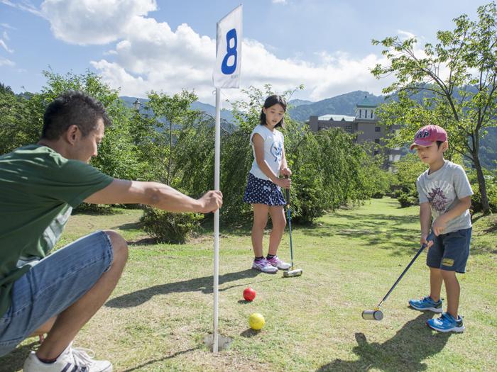 初心者でも楽しめるマレットゴルフ