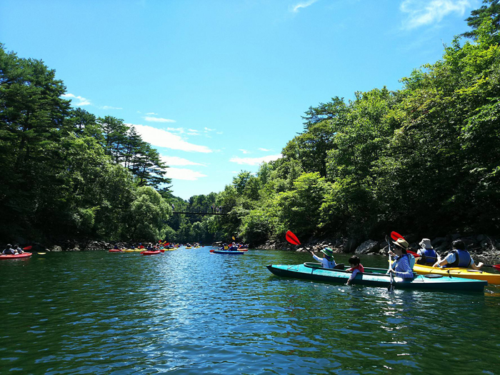 「磐梯松島」と称される桧原湖