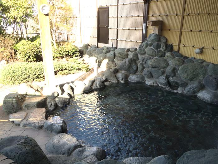 高アルカリ性温泉が満ちる露天風呂