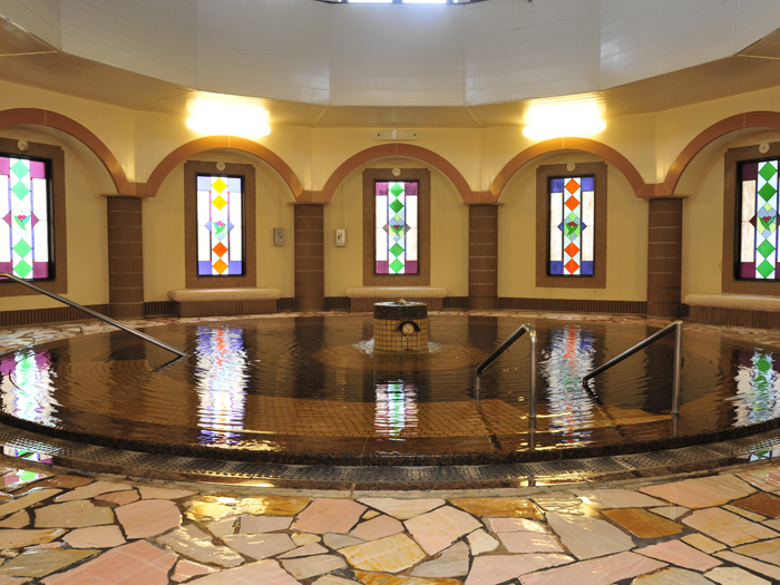 円形大浴槽「ローマ風呂」