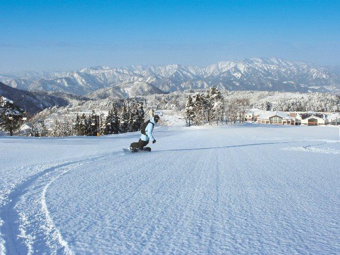 恵まれた雪質と豊富な積雪量が自慢