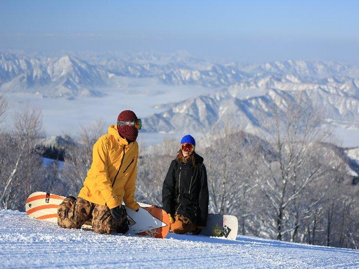 白山連峰を一望しながらゆったり滑走を楽しめる