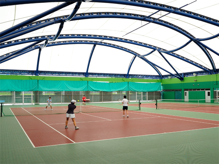 テニスコート屋内