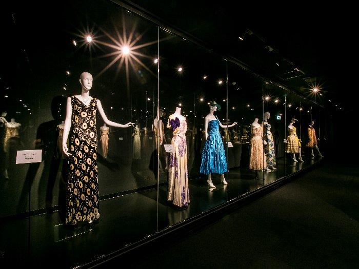 高級仕立服が並ぶ「瀬川モードコレクション」