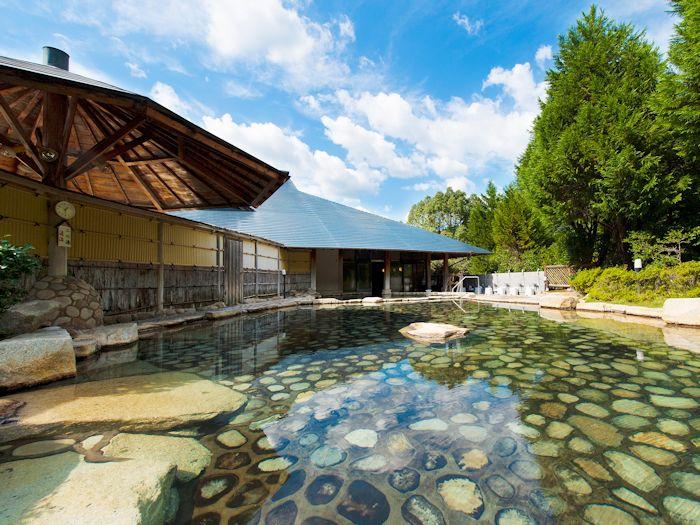 自然の中の露天風呂を堪能しよう