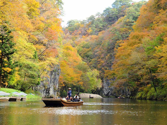 秋の猊鼻渓