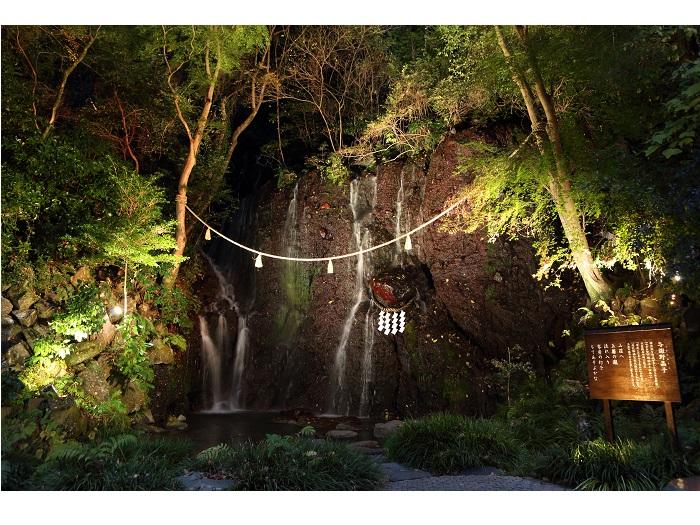 玉簾の瀧(夜)