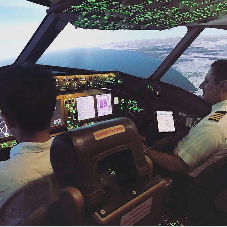 【本格パイロット訓練フライトコース】プロ仕様フライトシミュレーター体験