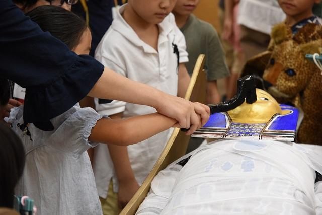 [終了]人形を使って古代エジプトミイラ作りを体験!旅いく版≪午後開催/1日2回開催≫[現地発着/日帰り/東京/旅いくセレクト]