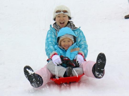 [終了]スノーホリデー!冬まんきつ雪国体験![宿泊付き・現地発着/かまくら&雪遊び/募集型企画旅行]