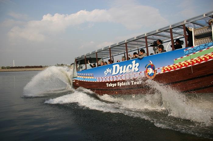 水陸両用「スカイダック」スプラッシュツアー