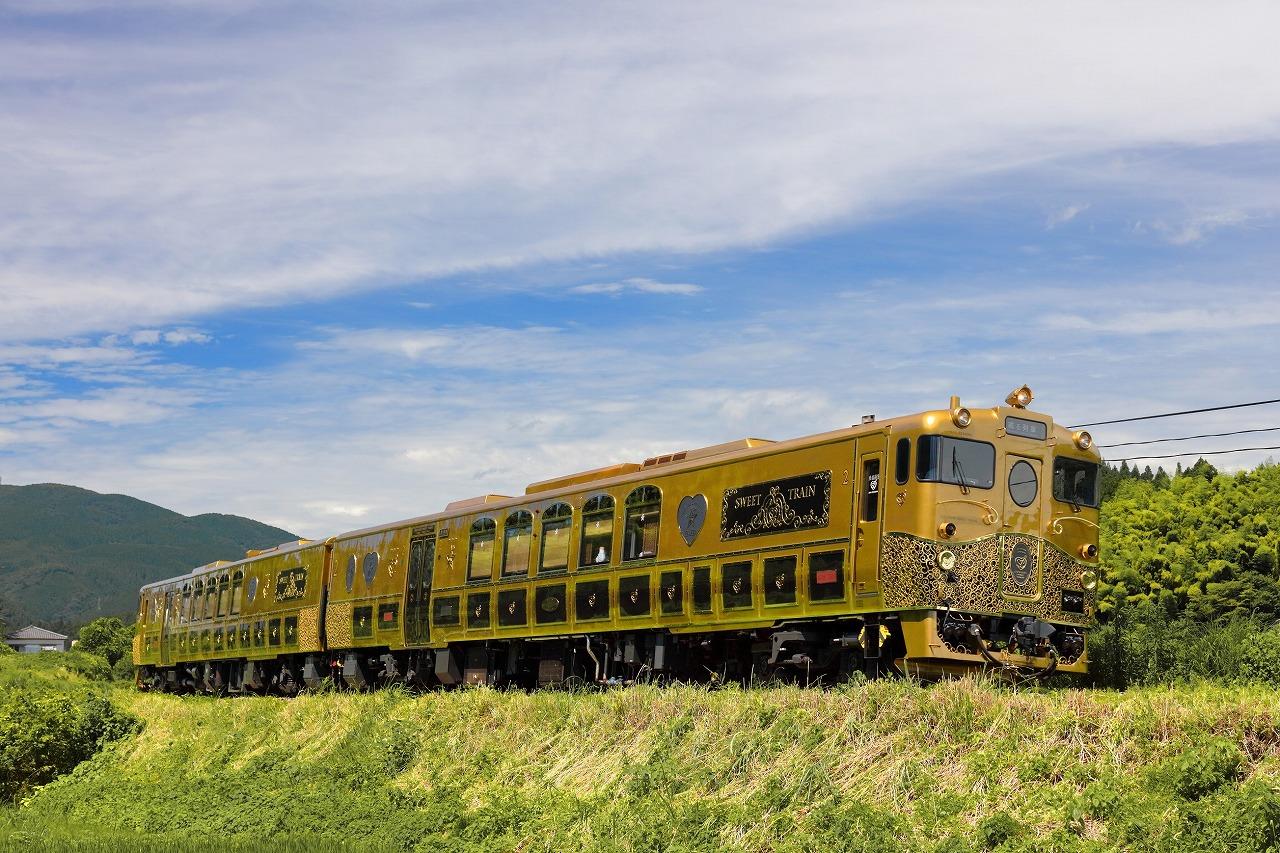 JRKYUSHU SWEET TRAIN 「或る列車」 午前便 ハウステンボス ⇒博多 【2号車21番】